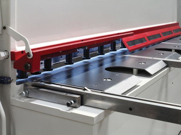 Why invest in a Hydraulic Guillotine?