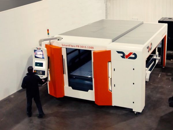 Sheet and tube fibre laser comes to the Bison showroom!